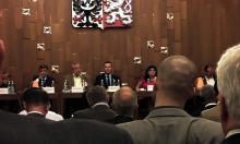 "Klára Samková na konferenci ""Máme se bát islámu?"""